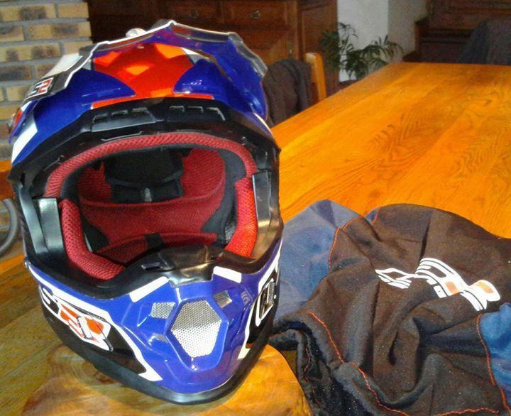 Casque Moto Trop Petit Voiture Moto Et Auto