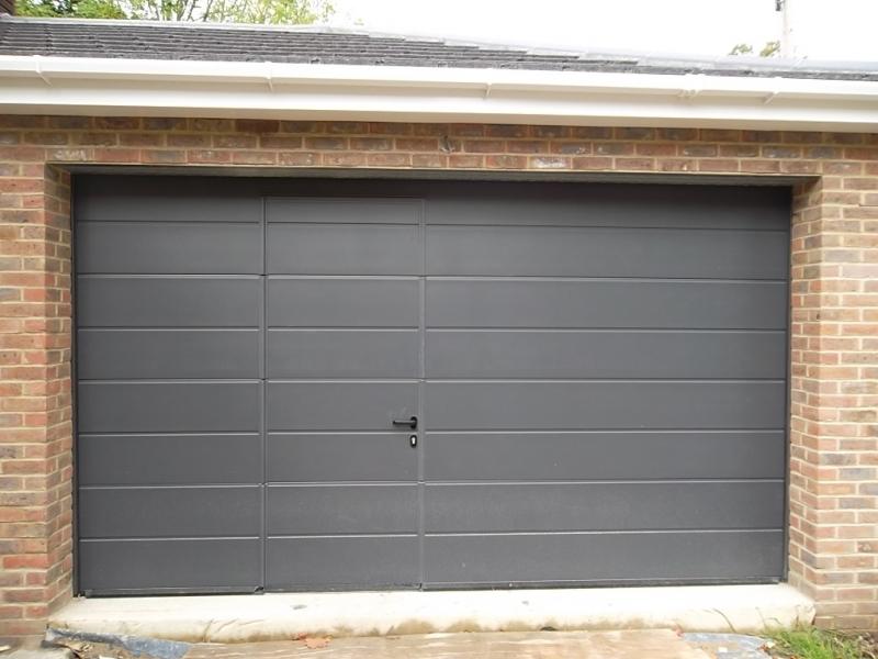 Porte de garage sectionnelle avec portillon prix