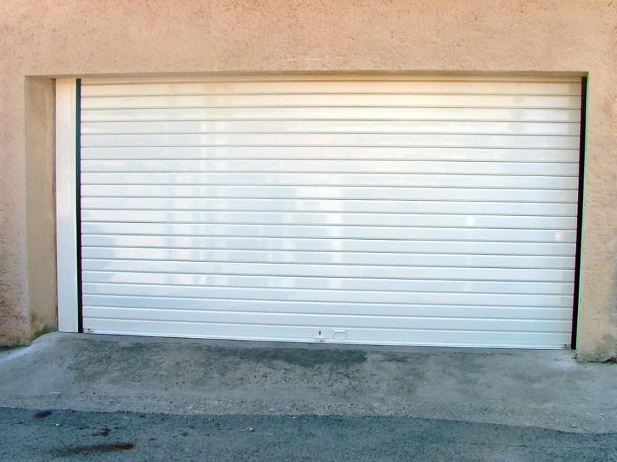 Porte de garage enroulable manuelle à tirage direct