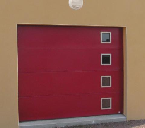 Porte de garage sectionnelle tarif voiture moto et auto - Porte sectionnelle avec portillon tarif ...