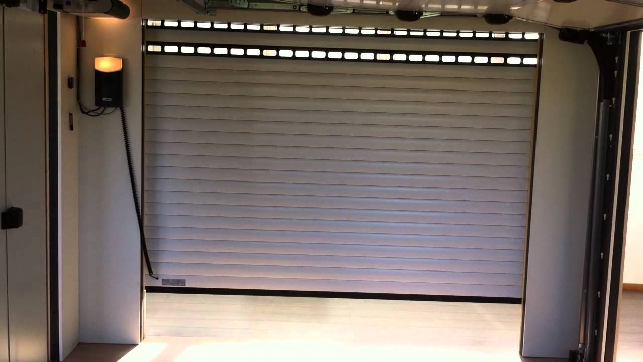 Porte de garage enroulable motorisée hormann