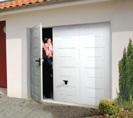 Porte de garage basculante electrique avec portillon