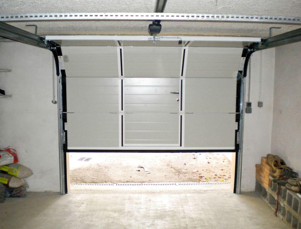 Montage porte de garage coulissante lapeyre