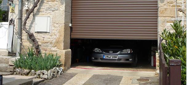 Porte de garage qui s'enroule