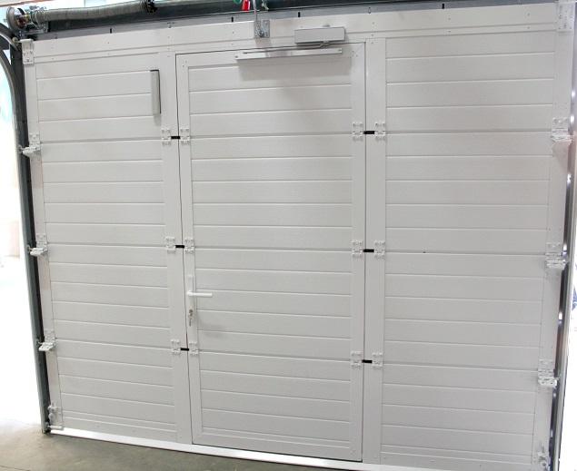 Porte de garage a enroulement avec portillon