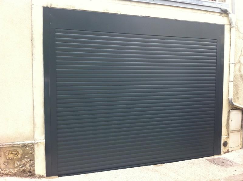 Porte de garage enroulable sous linteau voiture moto et auto for Porte de garage enroulable pose sous linteau