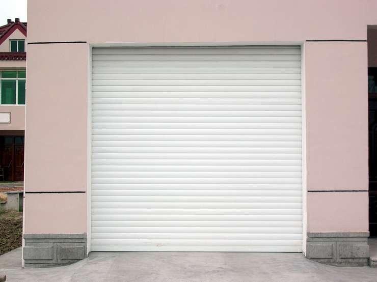 Porte de garage enroulable bordeaux